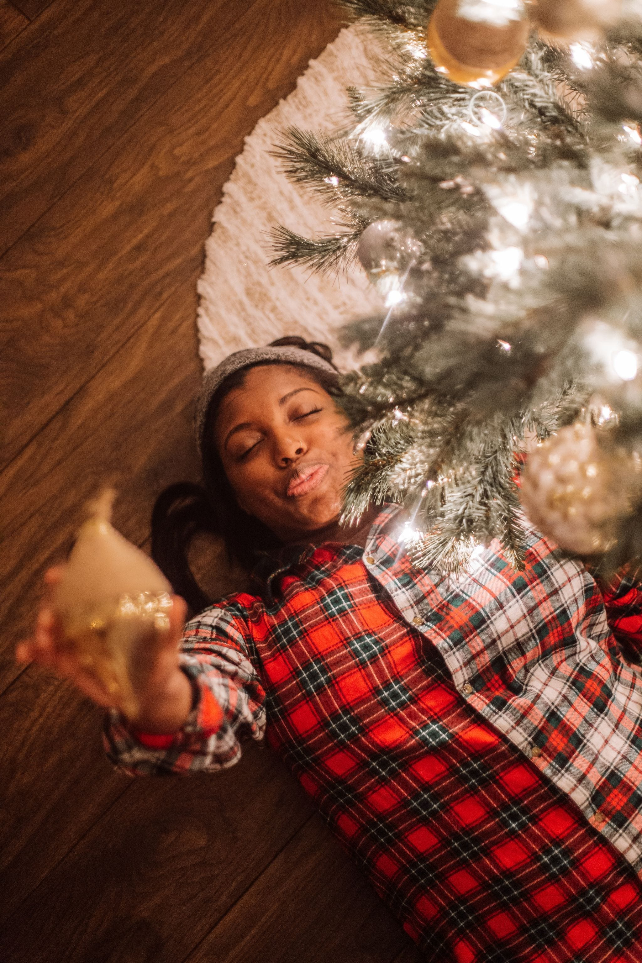 Tampa Blogger Ayana Lage lays on the ground wearing a Ralph Lauren Pajama Shirtdress purchased at