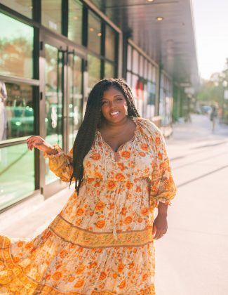 tampa blogger ayana lage in hyde park village | February 2021 Recap
